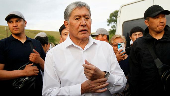 Президент Киргизии Алмазбек Атамбаев во время встречи с журналистами в селе Кой-Таш под Бишкеком, июнь 2019 года