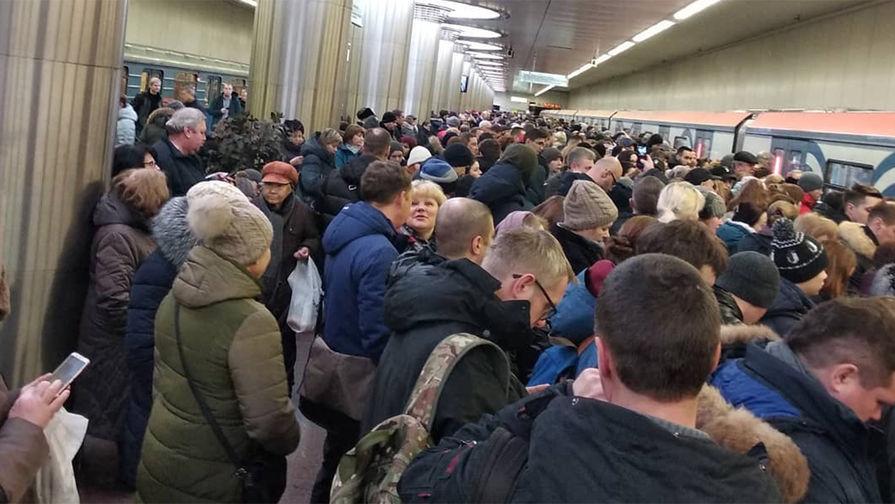 Названы причины сбоя в работе московского метро