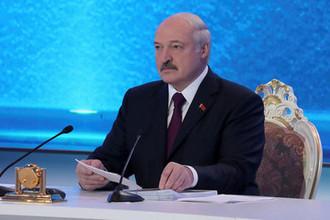 «Непростое решение»: Лукашенко упростит визовый режим с ЕС