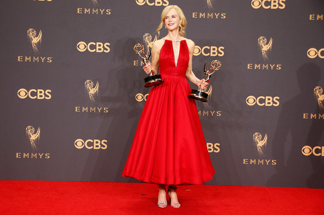 Николь Кидман — «Лучшая актриса в мини-сериале» за роль в сериале «Большая маленькая ложь»