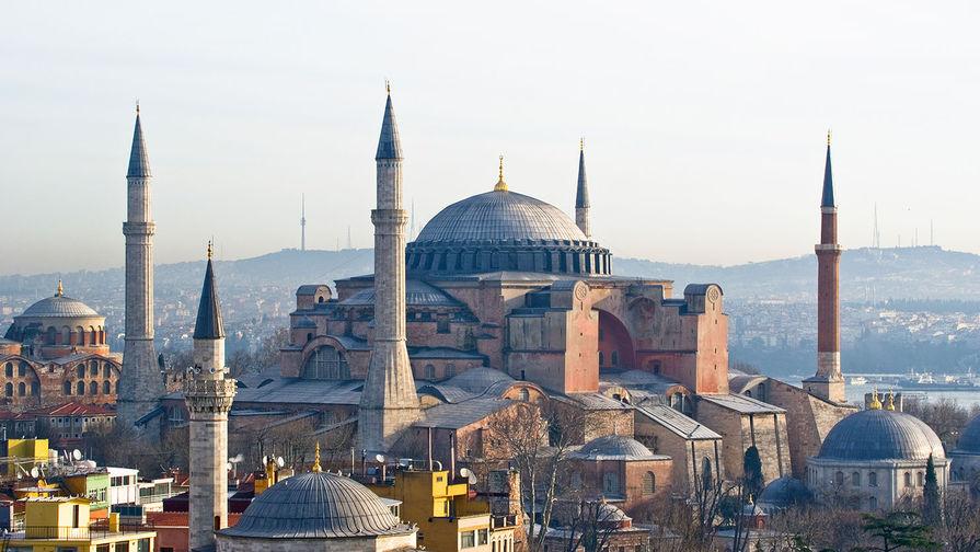 Госсовет Турции обсудил превращение собора Святой Софии в мечеть