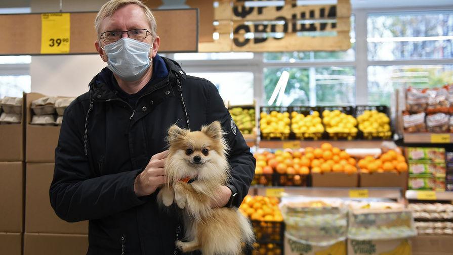 Власти Москвы не наблюдают массовых нарушений COVID-требований в ресторанах и магазинах
