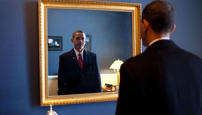 Один из первых снимков Барака Обамы в Белом доме в должности президента США, 2009 год