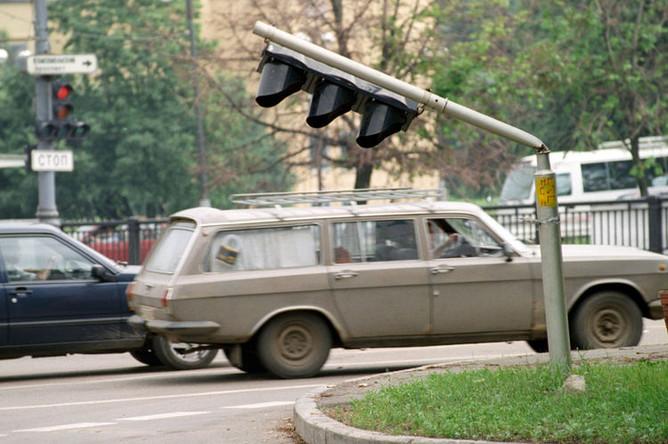 1998 год. Последствия урагана, прошедшего в Москве в ночь с 20 на 21 июня 1998 года.