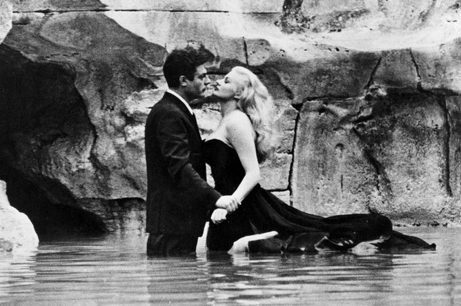 Кадр из фильма «Сладкая жизнь» (1960)