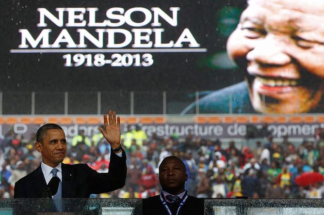 Барак Обама на церемонии прощания с Нельсоном Манделой в Йоханнесбурге