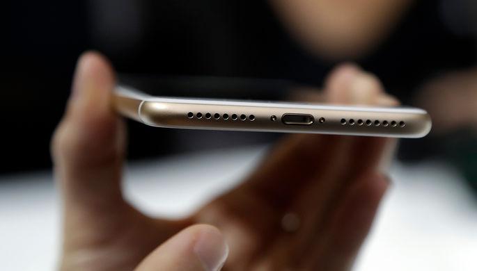 Один стандарт: ЕС заставит Apple сменить разъем в iPhone