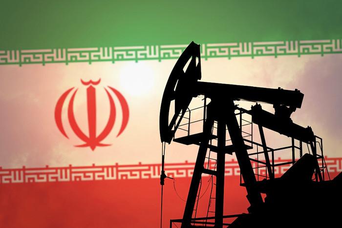 Иран надеется к 2022 году нарастить добычу нефти до 4,5 млн баррелей в день