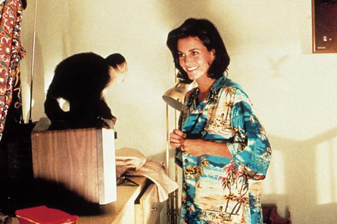 Кортни Кокс в фильме «Эйс Вентура: Розыск домашних животных», 1994