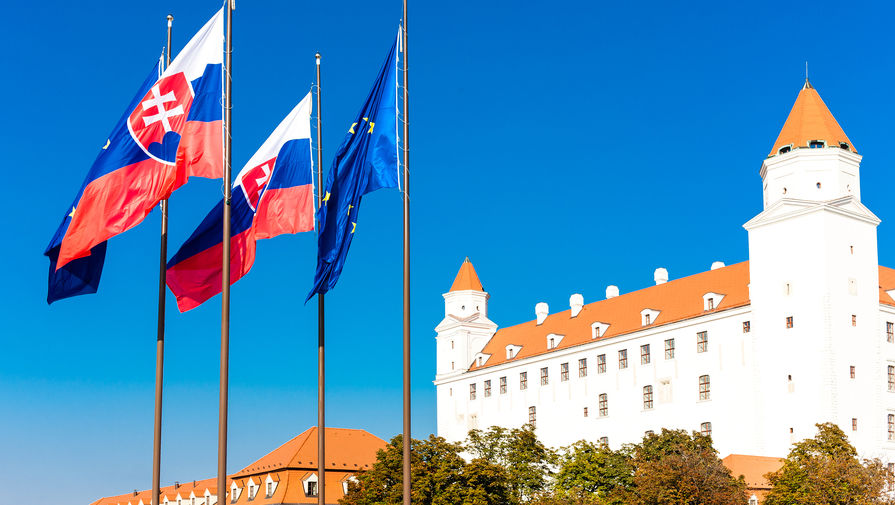 МИД Словакии извинился за слова премьера о передаче части Украины за Спутник V