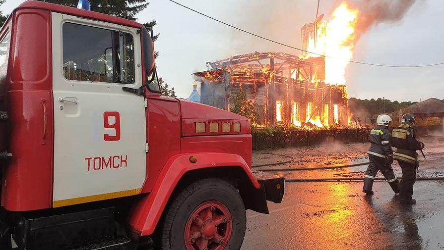 Пожар в деревянной церкви в честь иконы Божией Матери Одигитрии Смоленской в селе Зоркальцево Томской области, 4 июля 2020 года