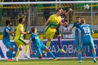 И Петербург на Петербург пошел. Александр Бухаров атакует ворота своей бывшей команды