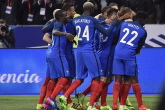 Игрокам сборной Франции есть, от чего веселиться