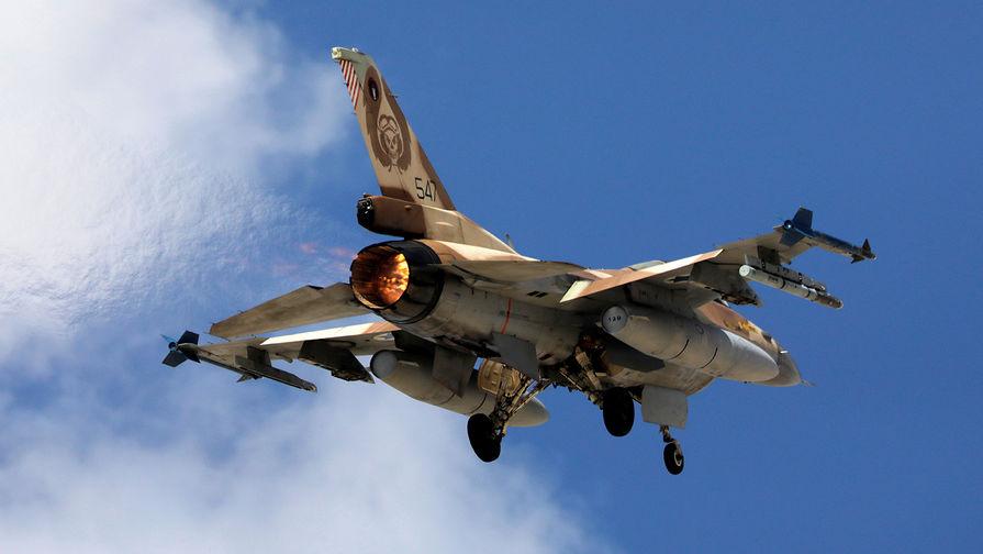 Истребитель F16 ВВС Израиля во время учений на юге страны, 2017 год