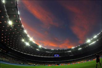 Закат на стадионе в Киеве.