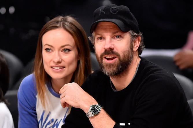 Актриса Оливия Уайлд с мужем актером Джейсоном Судейкисом