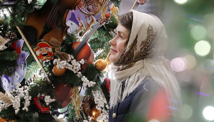 Новый год подорожал: россияне покупают компактные елки