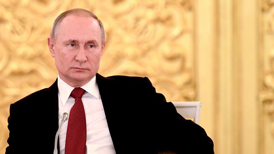В Кремле опровергли сообщения о вакцинации Путина от коронавируса