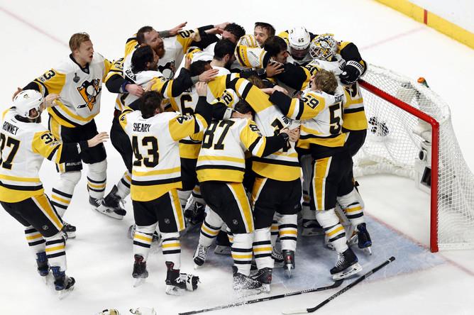 «Питтсбург» завоевал пятый Кубок Стэнли в истории и второй кряду