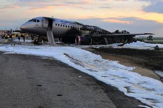 Последствия пожара в самолете в аэропорту Шереметьево, 5 мая 2019 года