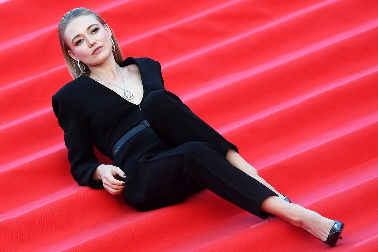 Актриса Оксана Акиньшина на красной дорожке перед церемонией открытия 42-го Московского Международного кинофестиваля (ММКФ), 1 октября 2020 года