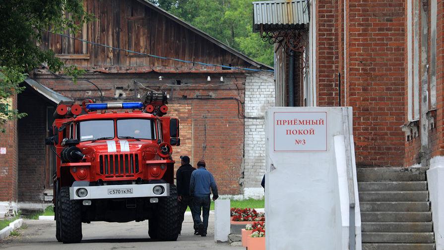 Пожарная машина на территории клинической больницы имени Н. А. Семашко, 9 июня 2021 года