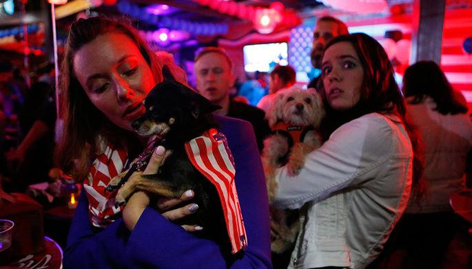 Американцы наблюдают за подсчетом голосов