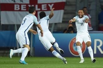 Сборные Англии и Германия борются за выход в финал молодежного чемпионата Европы