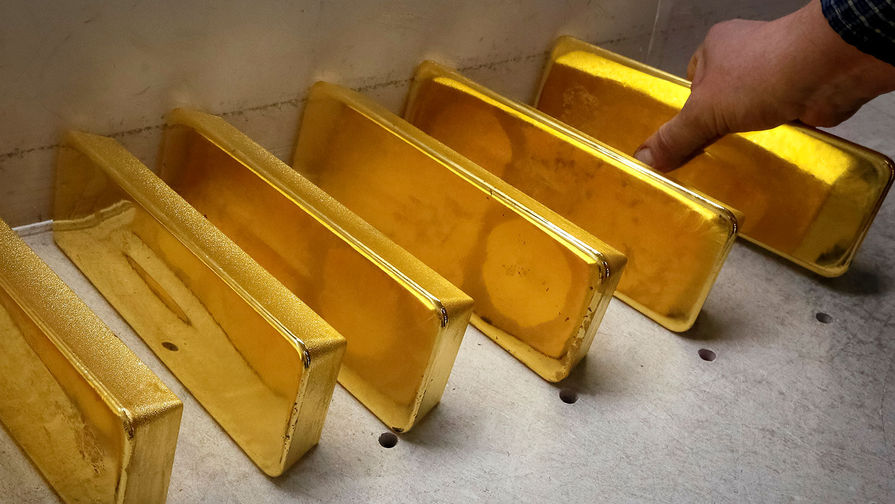 Ажиотажный спрос: банкиры скупают золото