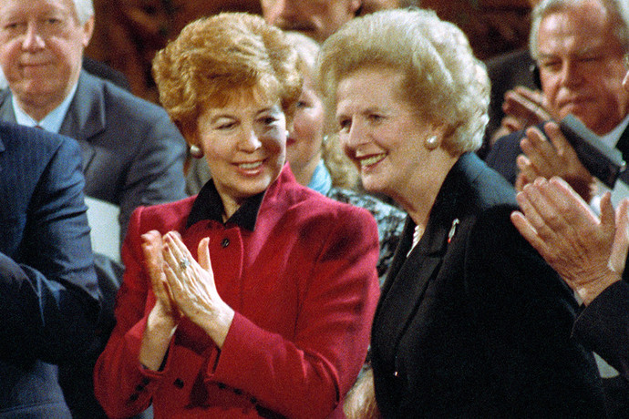 Раиса Горбачева и премьер-министр Великобритании Маргарет Тэтчер в Лондоне. Фото: Александр Чумичев /ТАСС