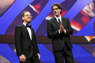 Председатели жюри основного конкурса режиссеры Итан и Джоэл Коэн