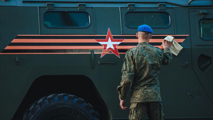 Репетиция военного парада к Дню Победы в центре Москвы, 3 мая 2018 года