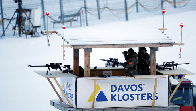 Снайперы и сотрудники полиции во время Всемирного экономического форума в Давосе, 21 января 2020 года
