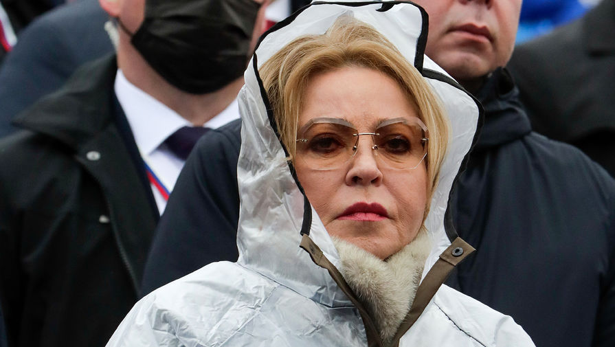 Спикер Совета Федерации РФ Валентина Матвиенко во время парада, посвященного 76-й годовщине Победы в Великой Отечественной войне, на Красной площади, 9 мая 2021 года