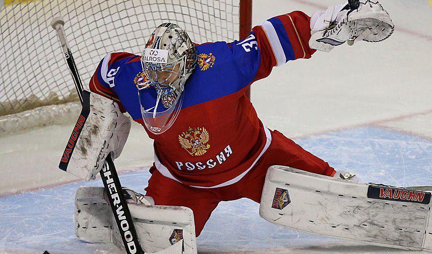 Голкипер молодежной сборной России Илья Самсонов.