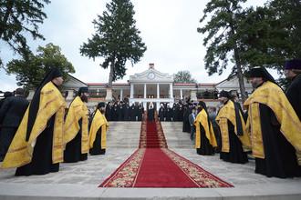 Патриарх Кирилл в Успенском Каприянском монастыре во время визита в Молдавию