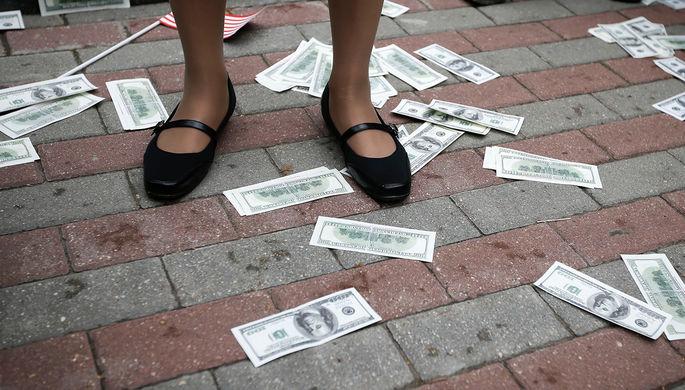 Сценарий катастрофы: России предрекли доллар по 200