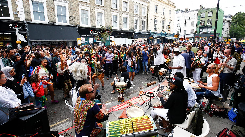 Как отпраздновали карнавал Ноттинг-Хилл в Англии 2018 фото