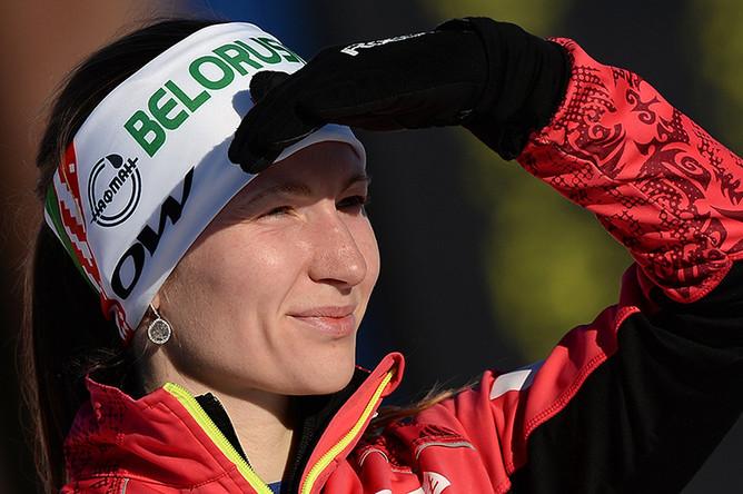 Дарья Домрачева после финиша масс-старта среди женщин на чемпионате мира по биатлону в финском Контиолахти, 2015 год