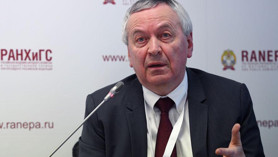 Руководитель Экономической экспертной группы, член Экономического совета при Президенте Российской...
