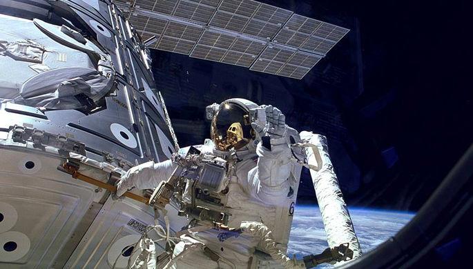 Ищите женщину: космонавты рассказали, кто мог просверлить дыру на МКС