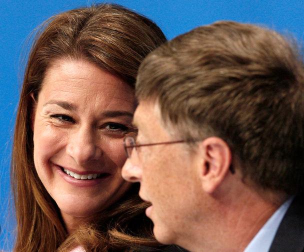 Мелинда и Билл Гейтс во время конференции в Торонто, 2006 год