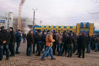 Очередь в кассы за билетами на матч «Ростов» — «Манчестер Юнайтед»