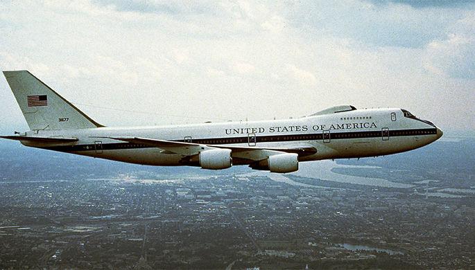 Boeing E-4 в полете