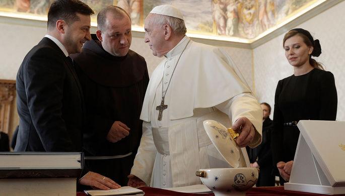 Папа Римский Франциск и президент Украины Владимир Зеленский во время встречи в Ватикане, 8 февраля 2020 года