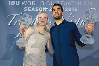 Биатлонисты Кайса Мякяряйнен (Финляндия) и Мартен Фуркад (Франция) на торжественной церемонии вручения наград IBU в Осло