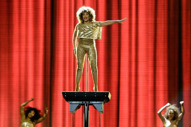 За свою жизнь Тина Тернер объездила с концертами полмира, сумев получить титул «Королевы рок-н-ролла», а также одной из лучших танцовщиц своего времени