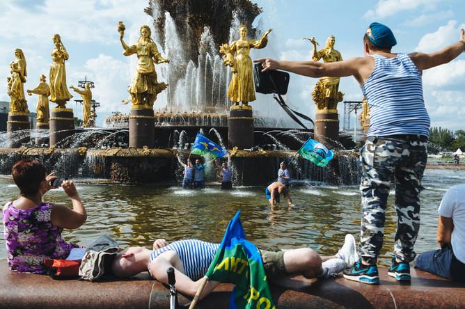 Празднование Дня ВДВ на ВДНХ в Москве