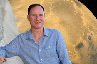 Профессор Питер Дансби и снимок Марса, коллаж «Газеты.Ru»