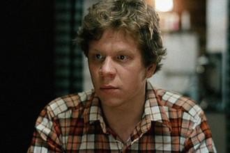 Игорь Лях в фильме «Любовь и голуби» (1984)